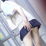 追跡盗撮 女子校生学校帰りウンコ漏らし2  人気の多い路地で醜態をさらしてしまった彼女たち