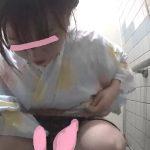 海のトイレを前から撮ってみたら13沖縄の〇〇祭り浴衣編(若めギャル)